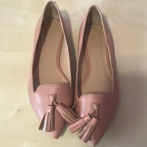 Banana republic pointed toe leather flats